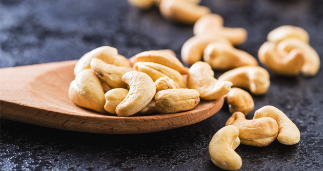 American Begins Early Boarding Flyers with Nut Allergies