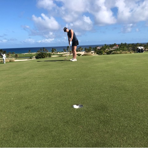 Maria Cardenas on GOlf with FROSCH Square Image