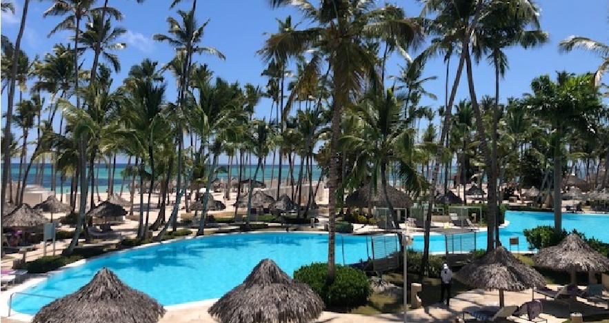 DR Resort Pool View